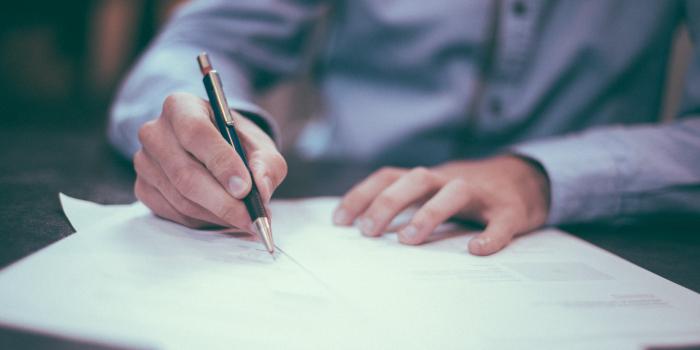Elementos básicos de los contratos laborales